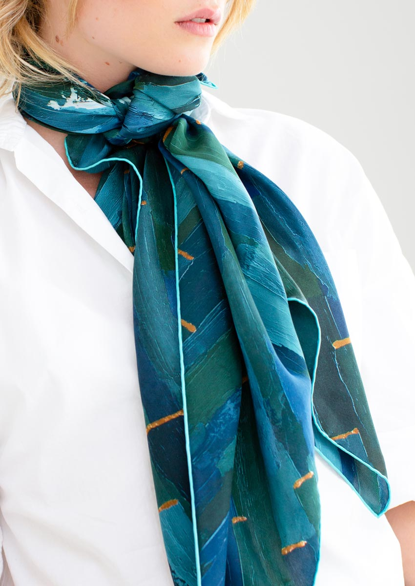 Dashed pure silk scarf